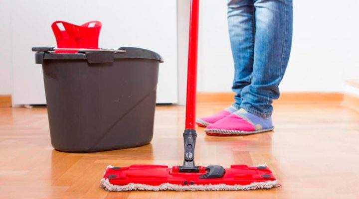 Hiring a Cleaning Service