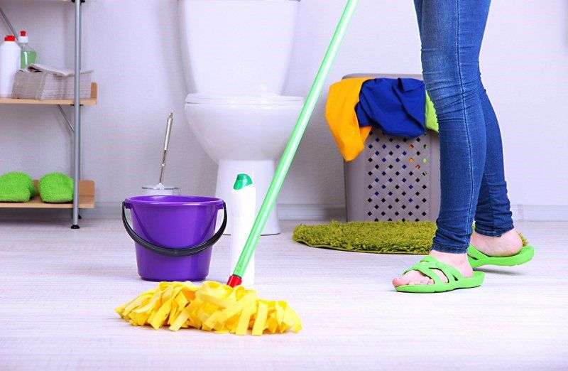 Bathroom Cleaning Tips By Professional House Cleaner - Professional bathroom cleaning services