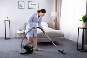what are the benefits of hiring a home cleaning service